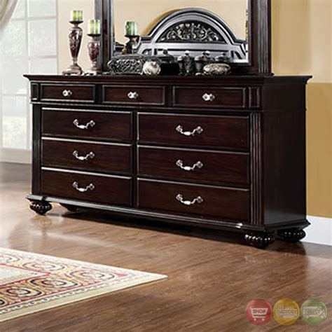 walnut bedroom set syracuse traditional walnut bedroom set with sturdy fluted bed posts cm7129