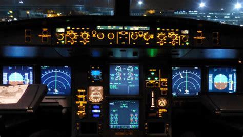 cabina de avion antena 3 tv detenido un piloto tras desmayarse en la