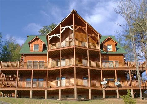 Big Cabins Alpine Chalet Rentals Gatlinburg Cabins In Gatlinburg Tn