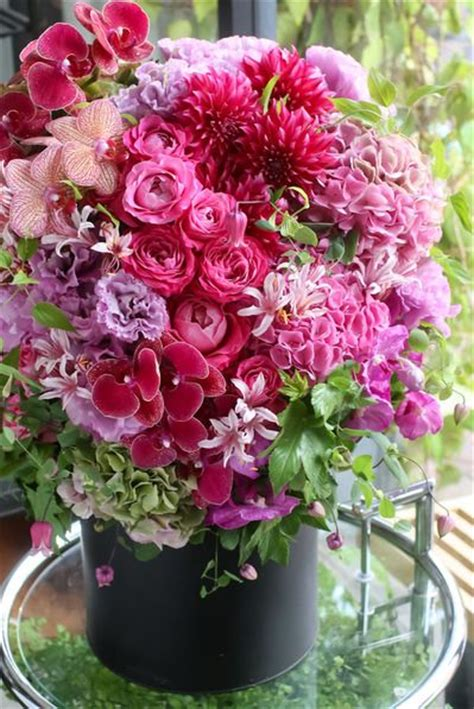 the amazing flower arrangements were created by florist in the 413 best amazing flower arrangements images on pinterest