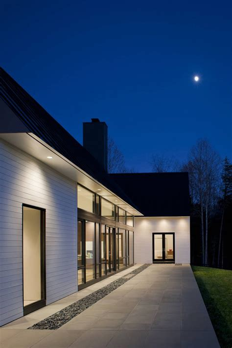 contemporary take on the warm country home modern house contemporary take on the warm country home modern house