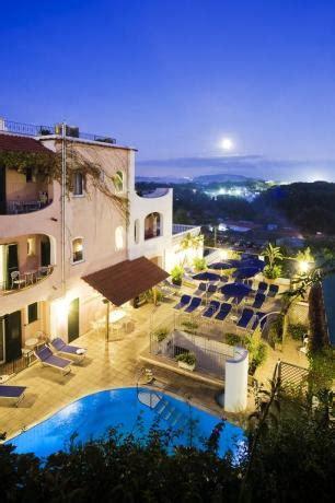alberghi a ischia porto hotel 3 stelle ischia porto vicino aragonese