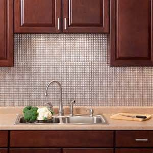 fasade backsplash square in crosshatch silver
