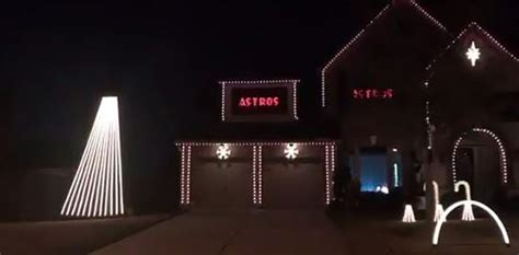 this superfan s christmas lights display pays homage to
