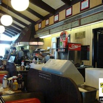 waffle house baton rouge waffle house 33 photos 18 reviews diners 2363 college dr baton rouge la