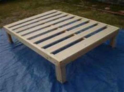 wood wood platform bed plans   build  amazing diy