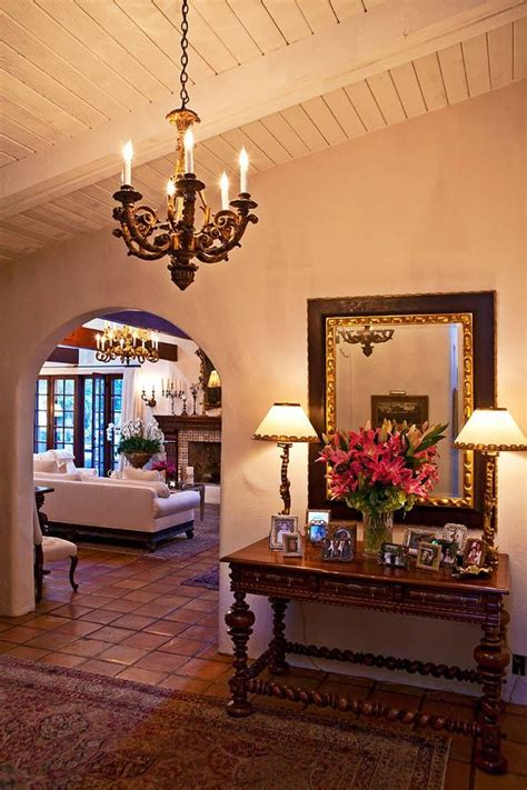spanish style home decor 25 best ideas about mexican style homes on pinterest