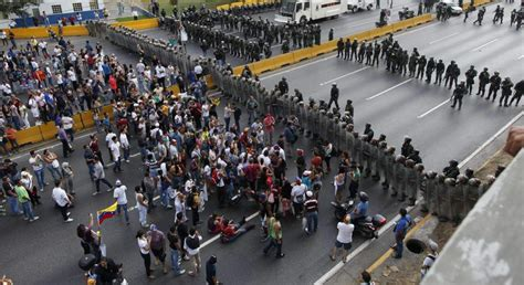 imagenes protestas en venezuela siete muertos y disturbios en venezuela por la