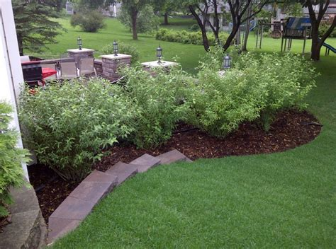 Garden Lawn Ideas Landscaping Landscaping Ideas Mulch