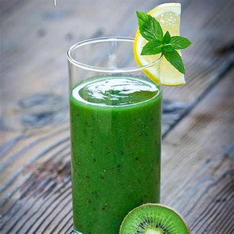Lemon Cucumber Detox Smoothie by Kiwi Spirulina Detox Smoothie Recipe Beverages With Kiwi