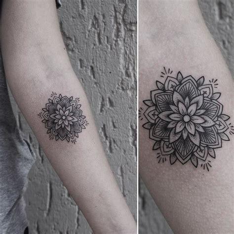 tattoo mandala costela as 25 melhores ideias de tattoo costela feminina no
