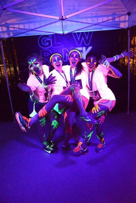 glow in the paint run 1000 fikir glow run te parti ışıldakları