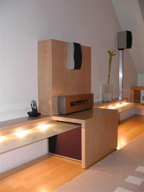 fernseher verkleidung rack und surround mit hohem waffaktor plasmafernseher