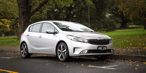 kia cerato review 2017 kia cerato sport hatch review caradvice