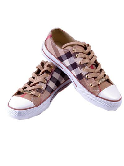mens burberry sneakers best 25 burberry shoes for ideas on