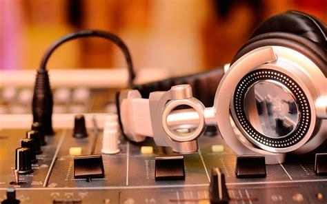imagenes para fondo de pantalla dj fondo de pantalla dj headphones mixing console audio4dj