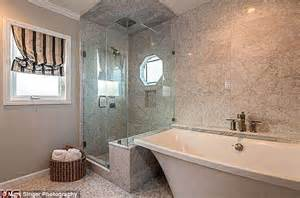 stand alone soaking tubs zoe saldana puts la home on the market for 1 2m after