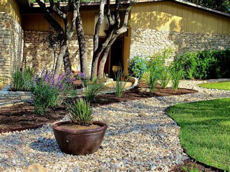 gravel backyard ideas backyard patio ideas with gravel gardening design