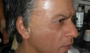 is imus bald or real hair shah rukh khan goes bald viral whatsapp message has pic