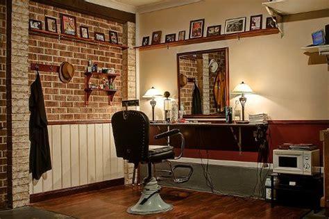 turn  garage   barbershop  art  manliness