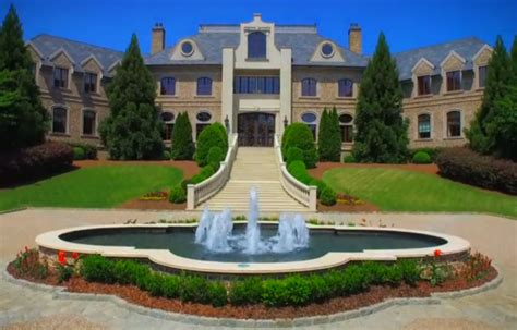 perry s atlanta mansion sells at historic proportions
