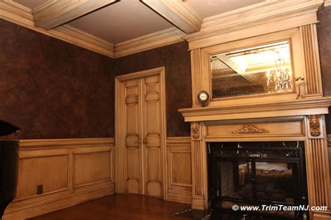 Dining Room Picture Frames by Wainscot And Picture Frames Traditional Dining Room