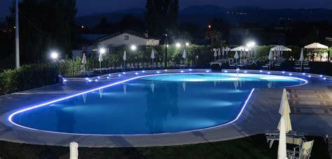 illuminazione piscina illuminazione per piscine piscine castiglione