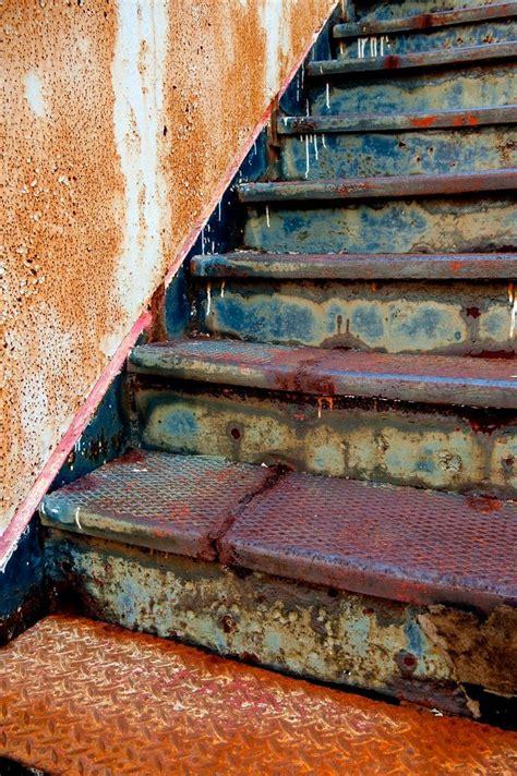 Verrostetes Metall Streichen by Metal Stairs Rust Never Sleeps