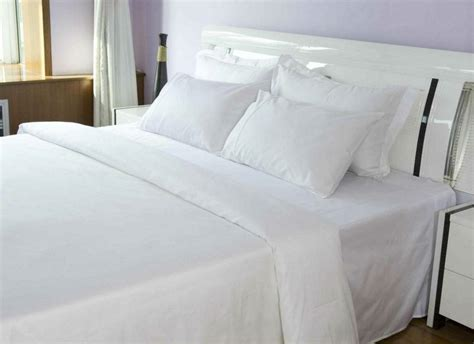 What Type Of Comforter Do Hotels Use by Hotel Bed Sheet Luxury Linen View 5 Luxury Hotel