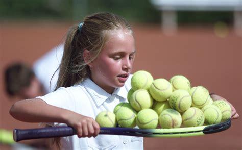 Js Tennisa j s tennis lektion 1 171 rollen und tragen