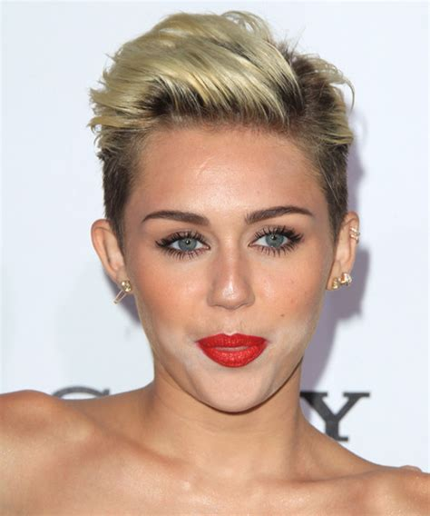 Miley Cyrus Type Haircuts | miley cyrus short straight casual hairstyle