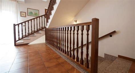 ringhiera di legno ringhiera in legno 1 vittori scalevittori scale