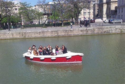 party boat paris for hen parties boating paris marin d eau douce