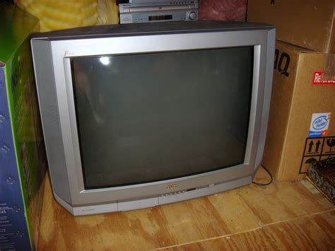 Tv Jvc 21 Inch silver 32 quot jvc tv in s garage sale virginia va