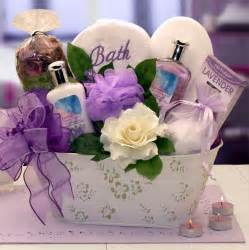 creative gift baskets diy mothers day gift baskets to make at home