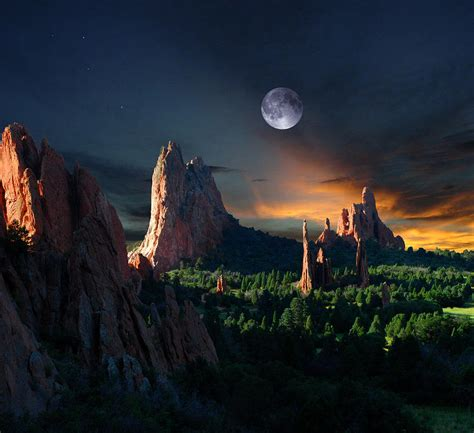 garden of the gods lighting morning light at the garden of the gods with moon