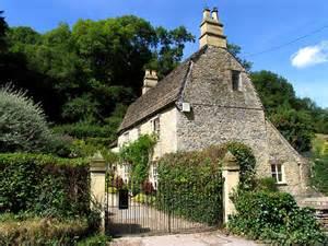 castle combe cottage c pam brophy geograph britain
