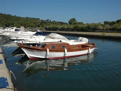 barche usate cabinate gozzo cerulli in toscana imbarcazioni cabinate usate