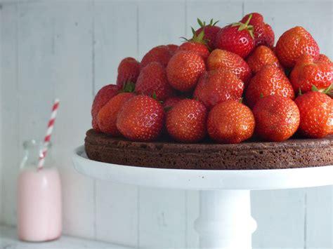 erdbeer frischkäse kuchen brownie kuchen mit erdbeeren sch 246 n muss es sein