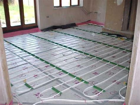 riscaldamento a pavimento vantaggi e svantaggi riscaldamento a parete come riscaldare riscaldamento a