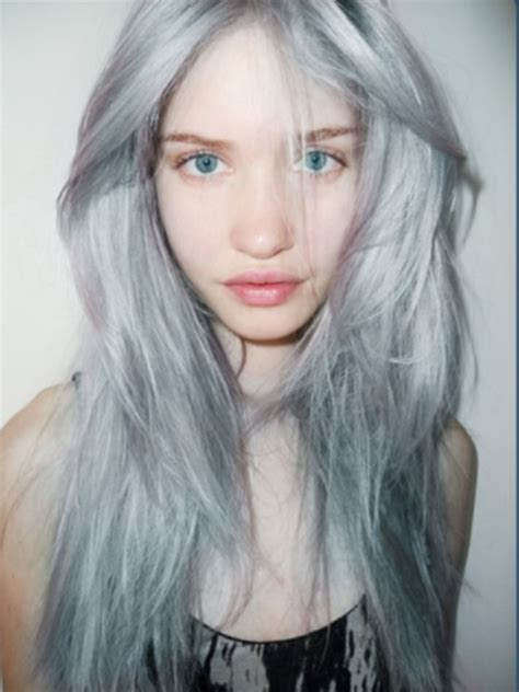 gray hair fad 50 strands of grey granny hair is the latest hair trend