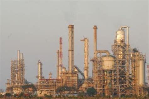 Minyak Pertamina pertamina fokus pembangunan dua kilang baru republika