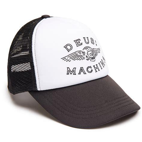 Topi Trucker Deus Ex Machina F5 deus ex machina cap curtis trucker schwarz wei 223 24helmets de