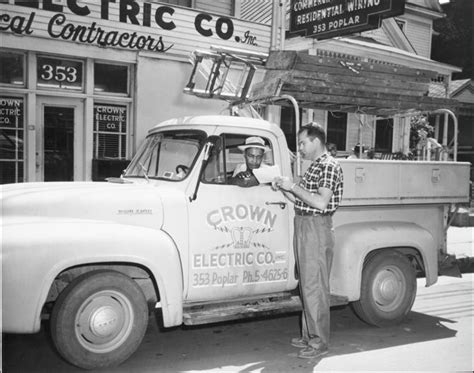 Crown Electric Thermos Termos Elektrik elvis drove a truck much like this one when he worked for crown electric elvis
