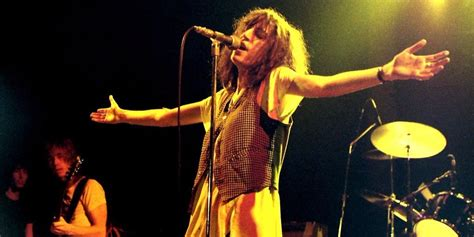stars who died on stage rock stars who nearly died on stage
