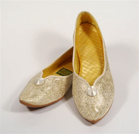 gold bedroom slippers 70s daniel green comfy boudoir slippers made in usa gold