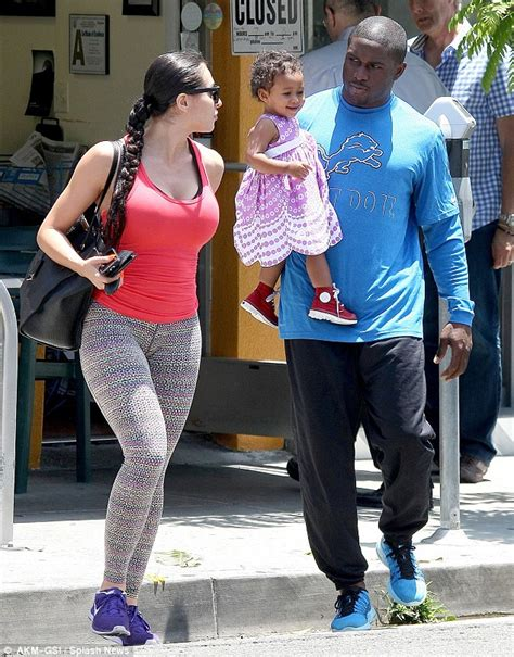 New Della 2 By Briseis s ex reggie bush expecting second child with lilit avagyan daily mail