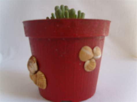 vasi con conchiglie vasi per i fiori decorati con le conchiglie per la casa