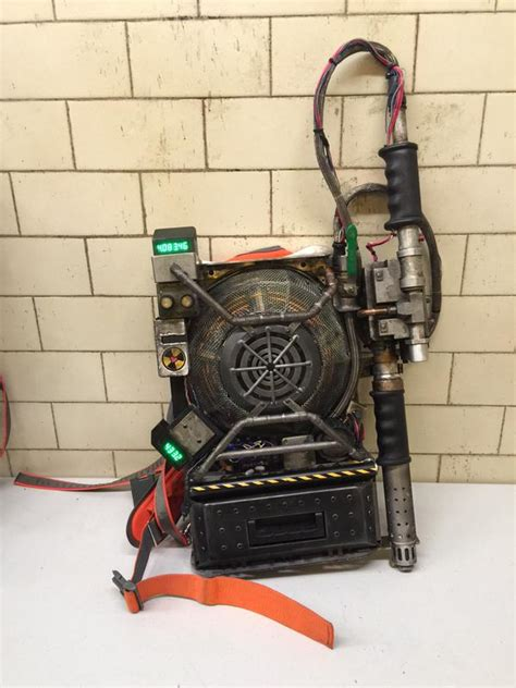 Real Ghostbusters Proton Pack Look At The Proton Pack For Ghostbusters Reboot