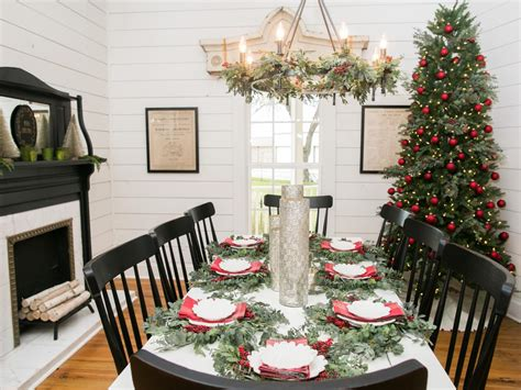 dec for christmashgtv chip and joanna gaines bed and breakfast home decorating newhairstylesformen2014